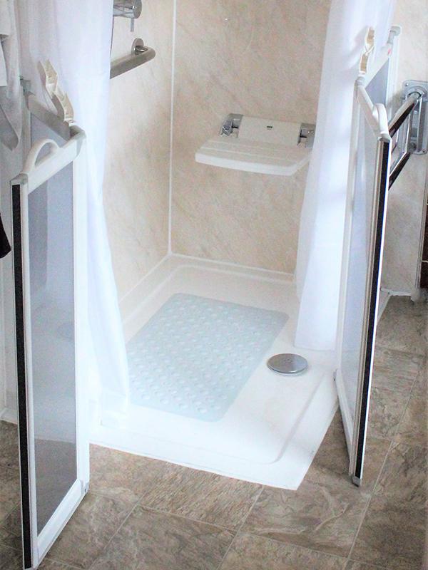 Non slip flooring, Shower, Wet room, shower set, grip handle, disabled, elderly