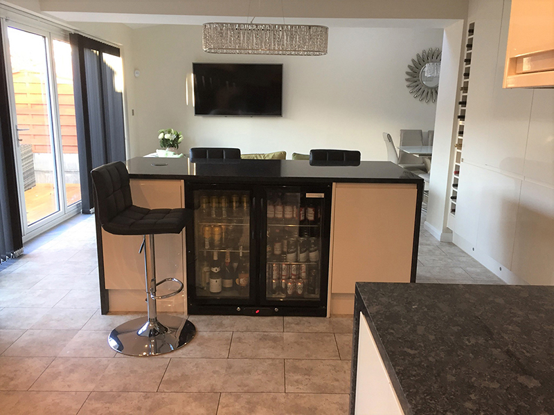 Tiling, kitchen island, range cooker, granite worktops, electrics