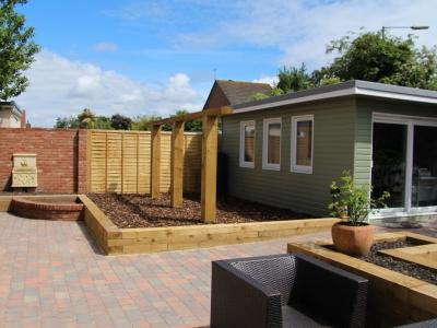 garden studio, derrick construction builder, portishead builder, landscaping, local, garden sleeps, water works, built in flower beds